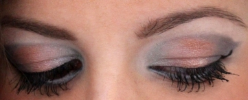 Products used: Aquadisiac by Mac Cosmetics on the inner area of my eye, Pink freeze by Mac in the center mixed with Heartless by Urban Decay, and Indigo by Stila on the outer corner/crease of my eye.