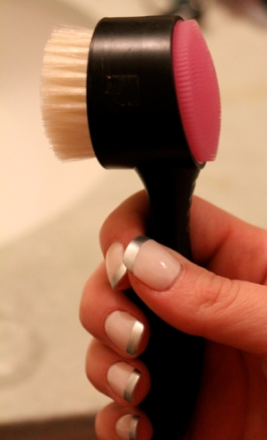 Dynamic Duo Face Brush