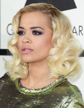 rita-ora-grammys-2014-hair-makeup-purple-eyeshadow-w352