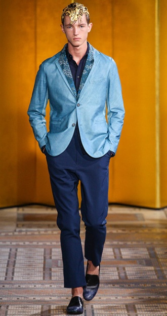Photo: Marcus Tondo / InDigital | GoRunway - Miharayasuhiro. See this look here at style.com
