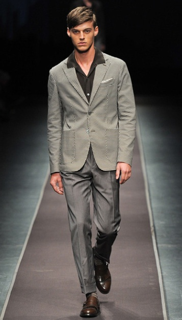 Photo: Yannis Vlamos / InDigital | GoRunway - Canali. See this look here at style.com