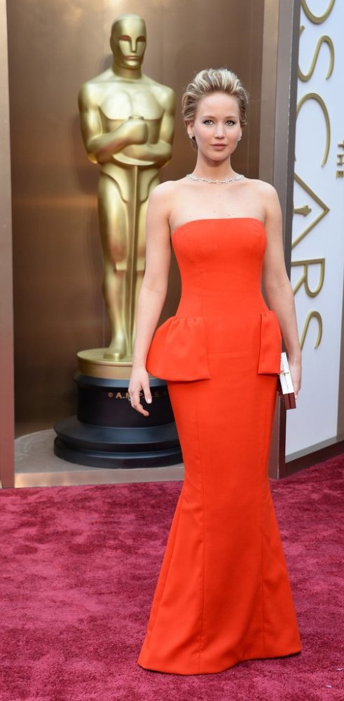 Jennifer-Lawrence-wearing-Dior-gown-100-carats-worth-Neil-Lane